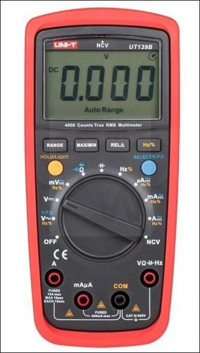 MULTIMETER UT139B