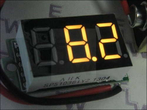 MINI-DIGITALVOLTMETER  GELB  31 X 14 X 12 MM